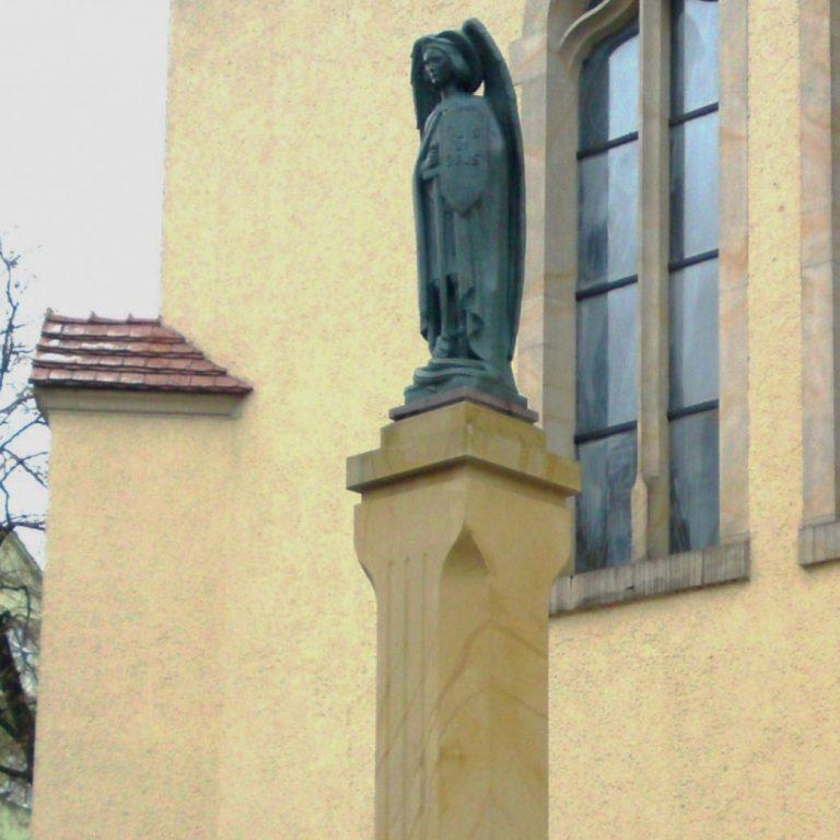 kościół-pw.-maryi-królowej-poznań-cokół-z-piaskowca_02